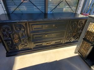 Buffet table/dresser for Sale in Palmdale, CA