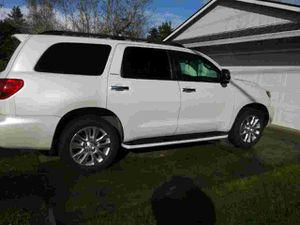 08 Toyota Sequoia for Sale in Bend, OR