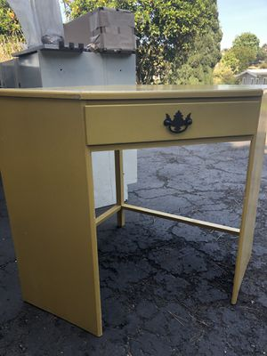 Vintage yellow kid's 3 piece desk for Sale in Vista, CA