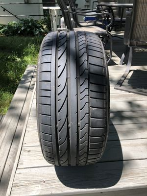 Bridgestone Potenza 225/40/18 run flat for Sale in Springfield, VA