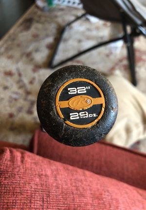 Rawling VELO 32in Baseball Bat (20$) for Sale in Peoria, IL