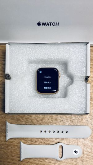 Series 4 40mm Apple Watch GPS for Sale in Phoenix, AZ