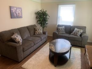 Living room set + tv for Sale in Cleveland, OH