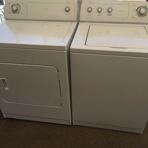 Whirlpool washer and dryer for Sale in Fresno, CA