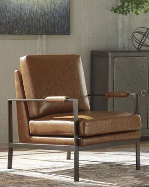 New Peacemaker Brown Accent Chair for Sale in Houston, TX