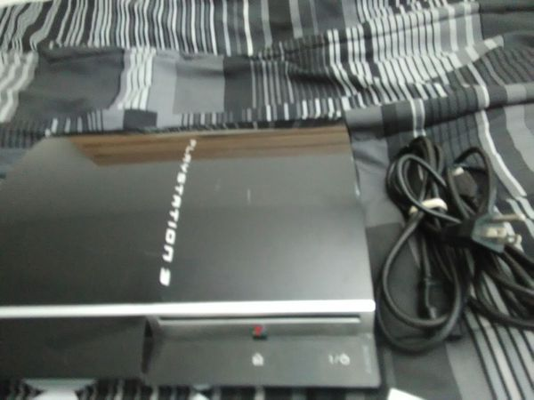 Ps3 system - black includes 16 games