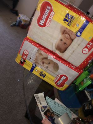 Huggies Both for $10 for Sale in Southgate, MI