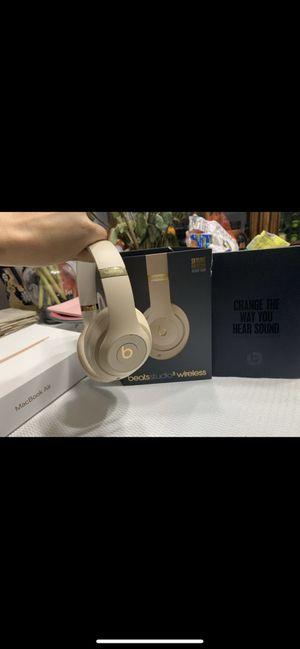 Beats studio 3 wireless for Sale in Miami Lakes, FL