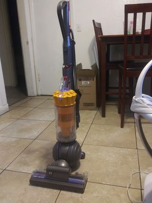 Dyson ball Vacuum for Sale in Phoenix, AZ