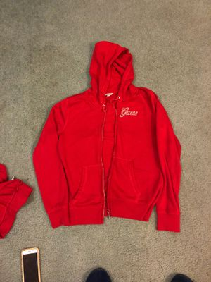 Guess sweat top with hoodie an pants for Sale in Victorville, CA