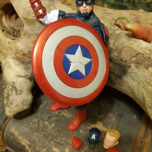 Marvel Legends CAPTAIN AMERICA for Sale in Vernon, CA