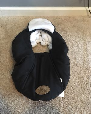 Baby car seat cover $10 firm!! for Sale in Lexington, NC