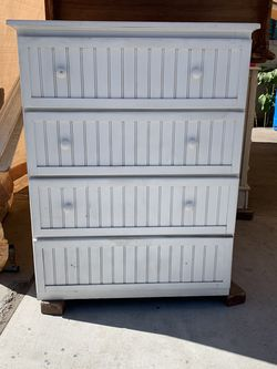 Chest Of Drawers for Sale in West Covina,  CA