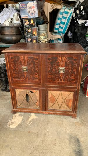 Art deco record player and tv cabinet for Sale in Upland, CA