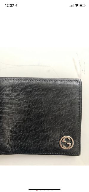 Gucci men's wallet for Sale in New York, NY
