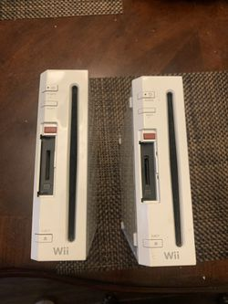 Nintendo Wii Consoles Set Of 2 PARTS ONLY for Sale in Downey, CA