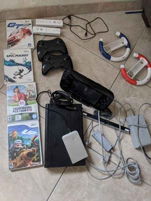 WiiU Nintendo Bundle Deluxe 32 GB with hardrive games, controllers for Sale in San Diego, CA
