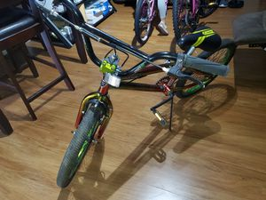 KENT FREESTYLE BIKE 20 INCH TIRES for Sale in Graham, NC