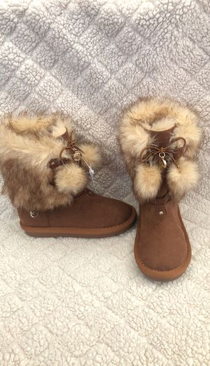 Michael kors boots size 12 little girl for Sale in Irwindale, CA