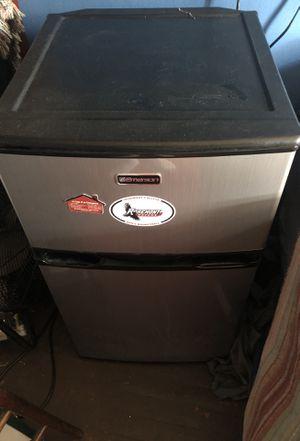 Mini Refrigerator. for Sale in Philadelphia, PA