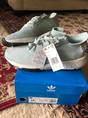 ADIDAS RUNNING WOMEN SHOES SIZE 10 1/2 for Sale in Falls Church, VA