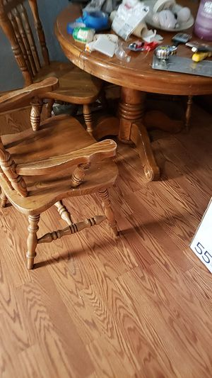 Table with leaf extension 5 chairs for Sale in Spokane, WA