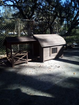 Small dog house or chicken coop with solar light for Sale in Auburndale, FL