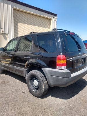 2003 FORD ESCAPE * AUTOMATIC* V6* IT RUNS AND DRIVES GOOD* 170000 MILES*CLEAN TITLE* SE HABLA ESPAÑOL* for Sale in Las Vegas, NV
