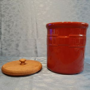 Longaberger Pottery 2 qt Cannister Cookie Jar Utensil Crock for Sale in Batavia, IL
