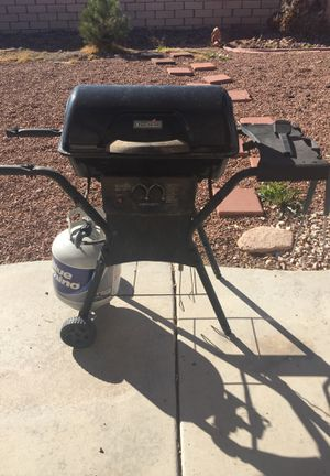 BBQ $80 little weather damage but the grill works perfectly. for Sale in Henderson, NV
