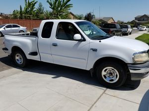 1999 ford f150 for Sale in Parlier, CA