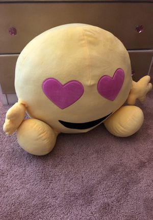 Never used giant plushie for Sale in Westlake, OH