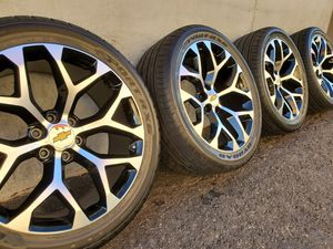 """22"""" Wheels rims and 305/40 R22 tires for Sale in Orange, CA"""