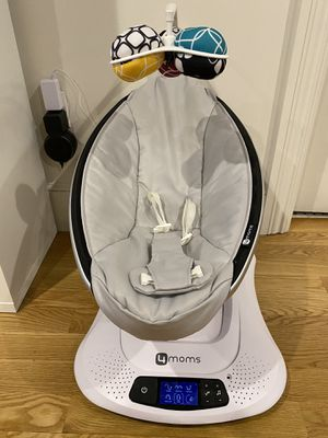 4moms mamaRoo 4 baby swing for Sale in Boston, MA