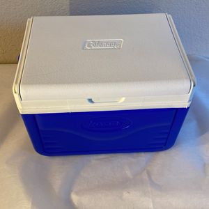 Coleman Mini Cooler - Size 10 X 7 X 7 Inches for Sale in Houston, TX