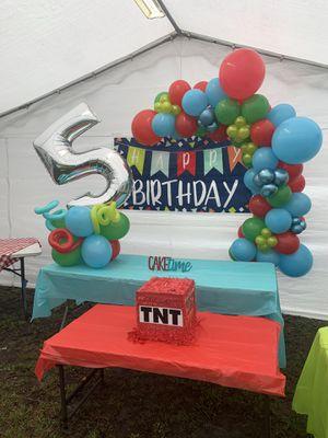 Decoración con globos / balloons decoration for Sale in Belle Isle, FL