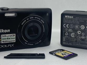 Nikon COOLPIX S4200 16.0MP Digital Camera Black Near Mint 4GB SD Bundle for Sale in Fort Myers,  FL