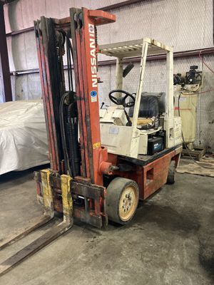 Nissan forklift 5000 lbs capacity for Sale in Dallas, TX