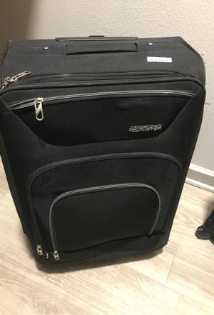 American tourister suitcase luggage for Sale in Sioux Falls, SD