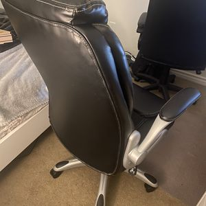 Great and Beautiful Office Chair for Sale in Loma Linda, CA