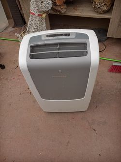 Frigidaire Portable AC w remote and hoses for Sale in San Angelo,  TX