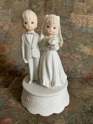 Bride and groom music box for Sale in Castle Creek, NY