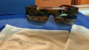 Authentic louis vuitton sunglasses for Sale in Paterson, NJ