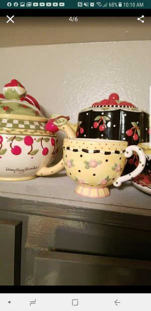 Beautiful collectors cups , Saucers for Sale in Phoenix, AZ