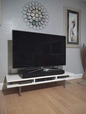 Modern, high gloss, TV stand. for Sale in Merritt Island, FL