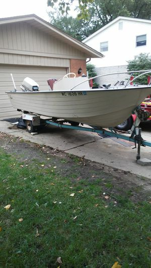81' Mirror Craft 18ft - 75 hp johnson outboard motor for Sale in Clinton Township, MI