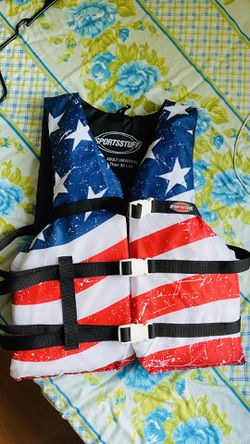 Adult life Jacket Fishing & kayaking for Sale in Watertown,  MA