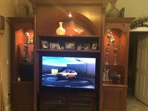 Brand new Cherry wood wall unit with lights and glass shelves, beautiful curio with glass shelves and lights for Sale in Hialeah, FL