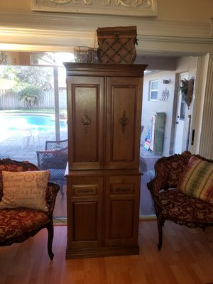 Seeing/craft cabinet for Sale in Plantation, FL