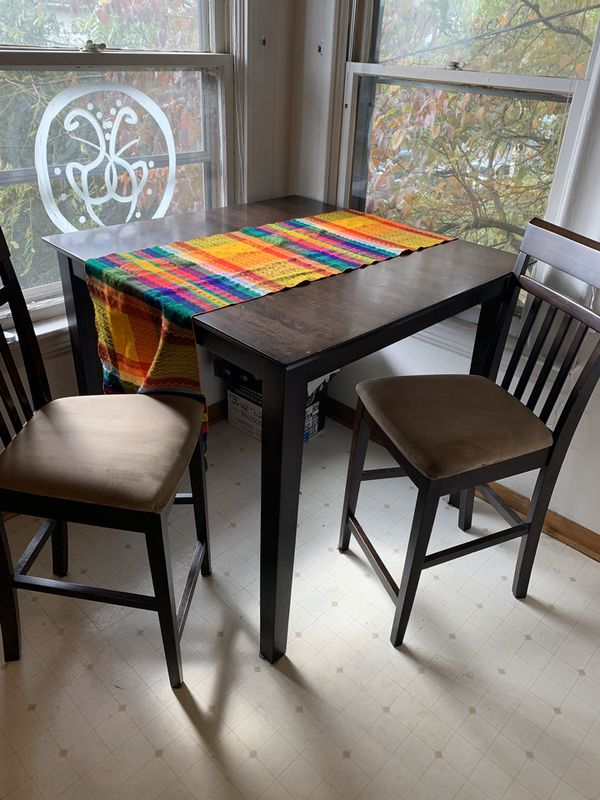Tall Table with 2 Chairs